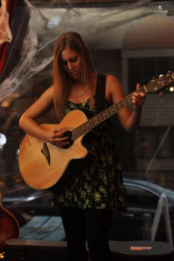 Allison Merten Performing at the Froth House Photo by Khaled Al Subaie