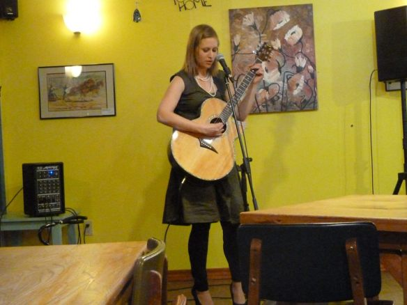 Allison Merten at Tuvalu Coffeehouse  Photo by Caleb Behnke