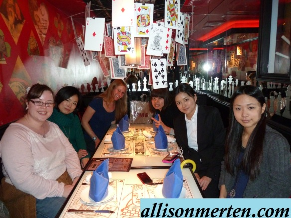 alice-in-wonderland-restaurant-japan-allisonmerten